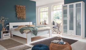 Schlafzimmer komplett in weiß und Bramberg Fichte Komplettzimmer mit Bett, Kleiderschrank und 2 x Nachttisch